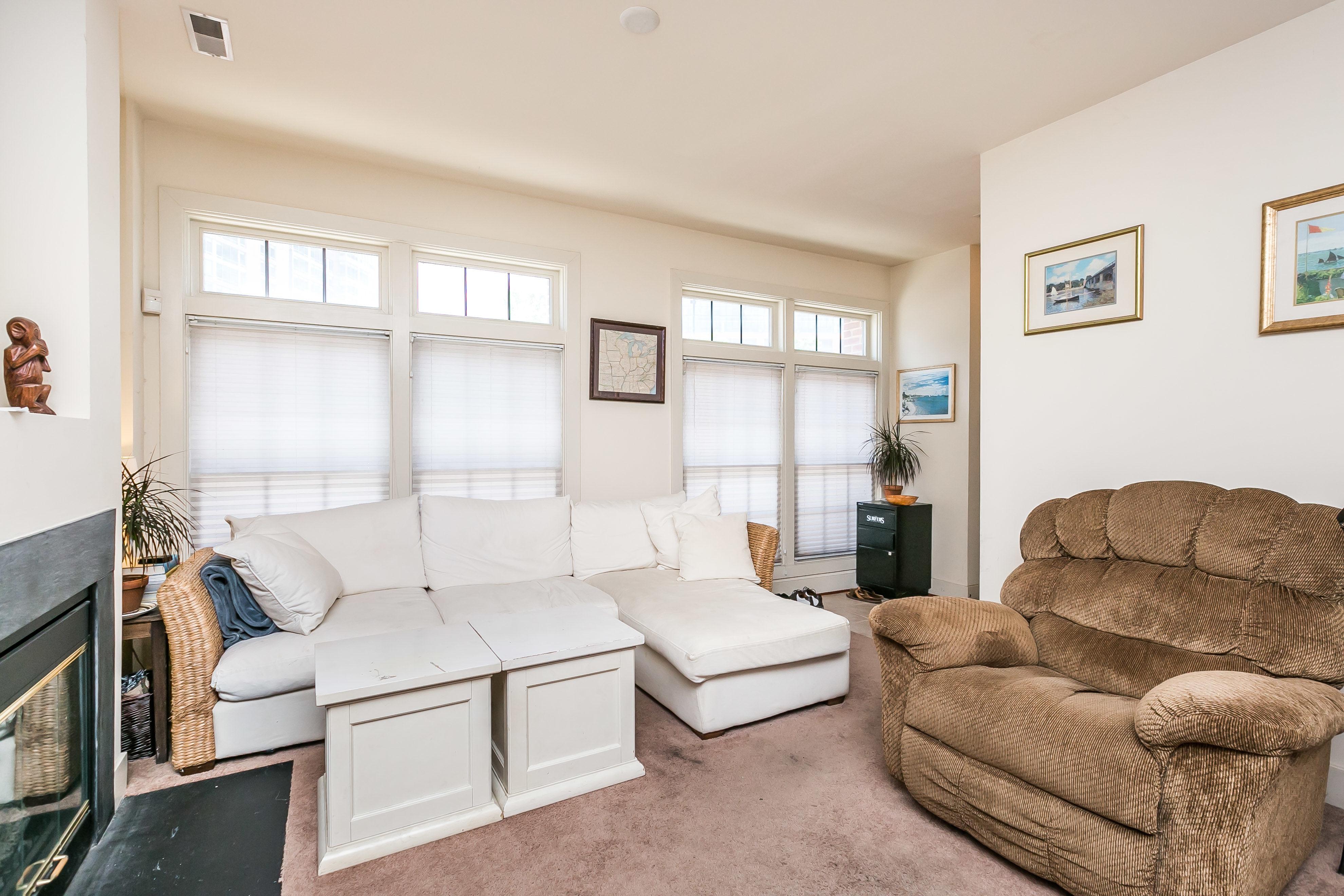 937 South CarolineStreet Living Room