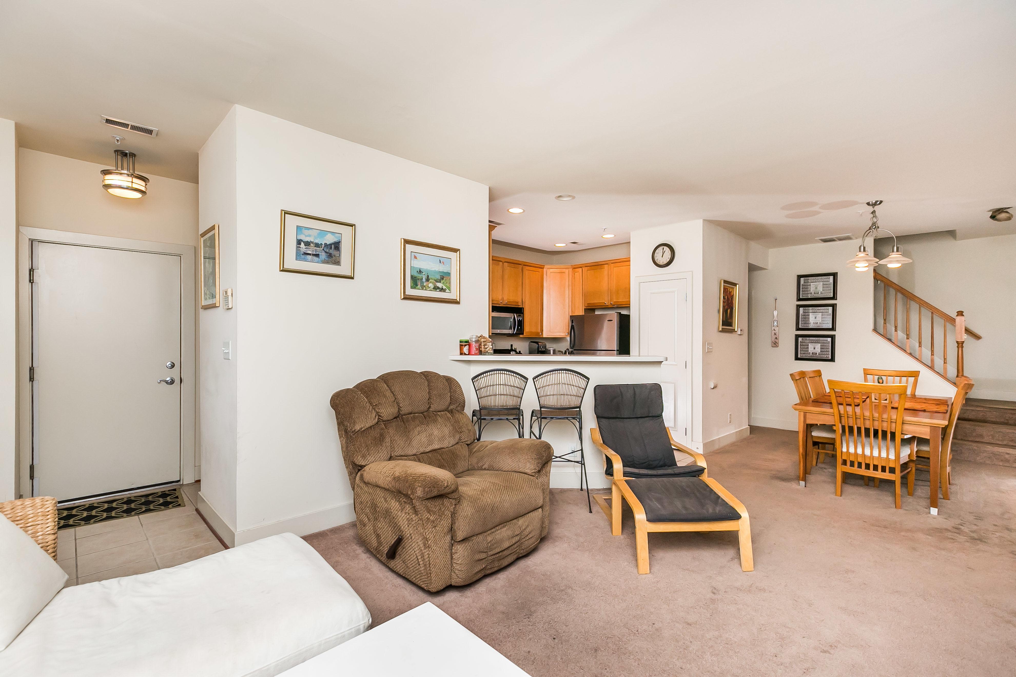 937 South Caroline Street Interior