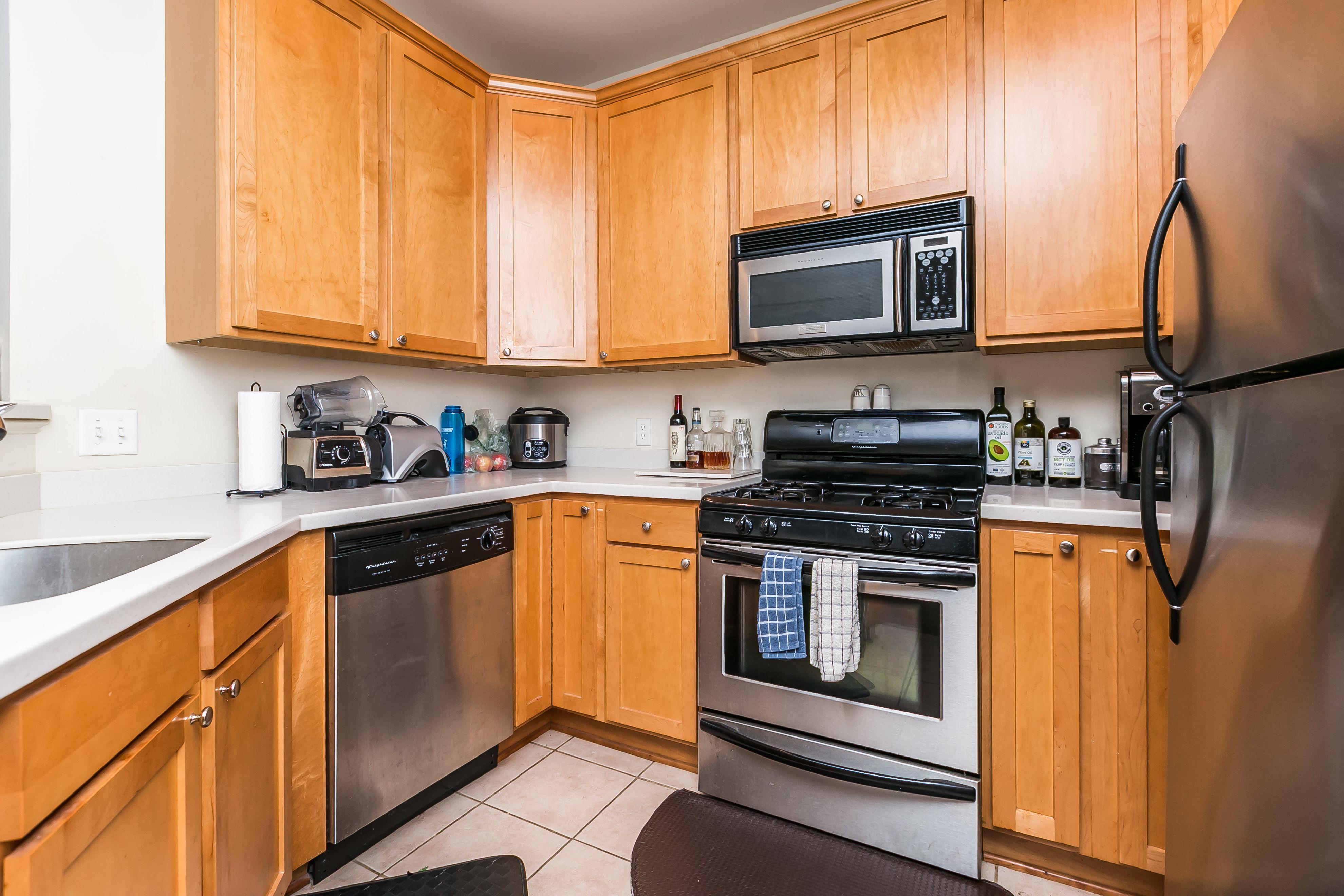 937 South Caroline Street Kitchen