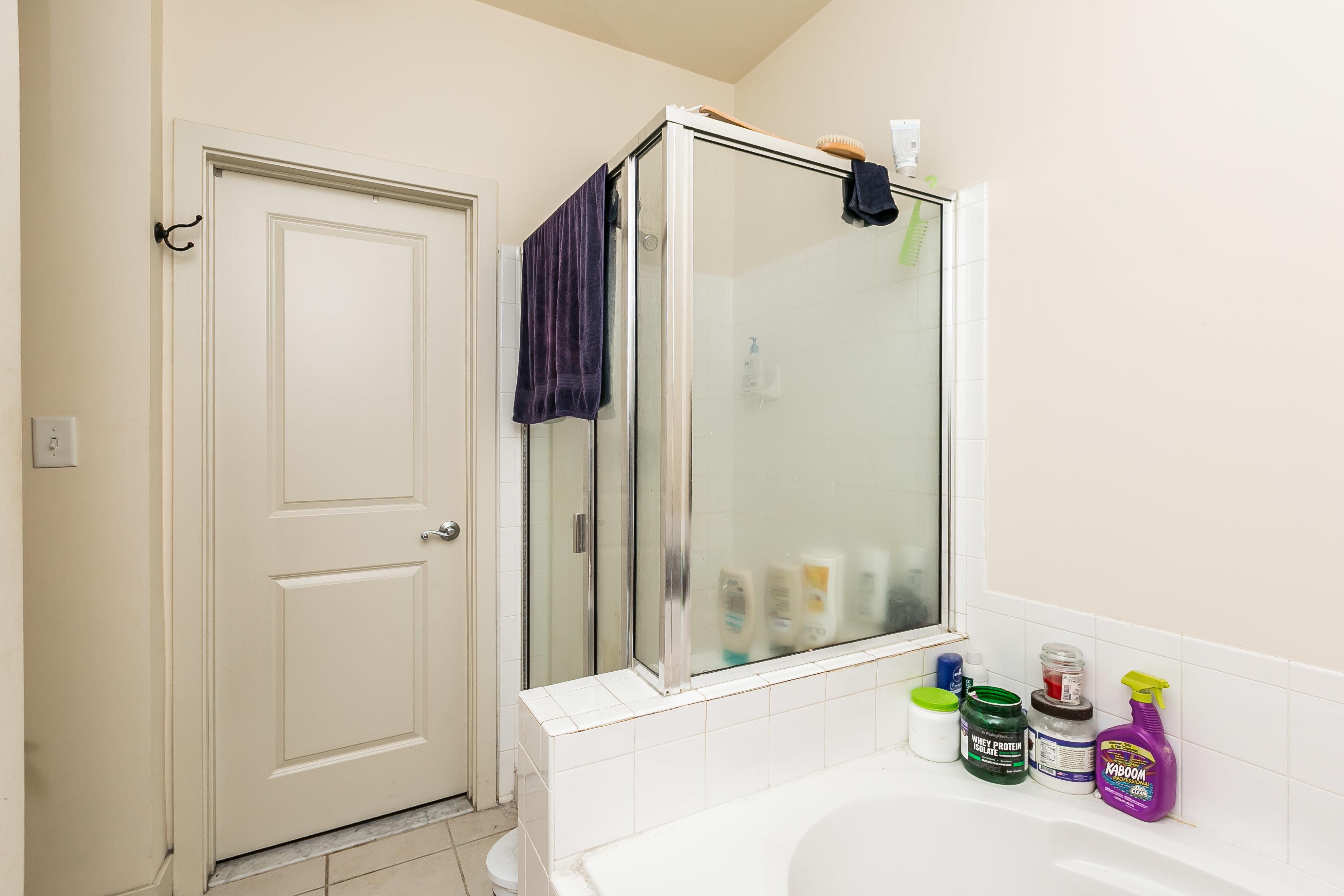 937 South Caroline Street Bathroom